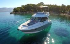 Motorboat Beneteau Antares 30Fly  2014 for hire