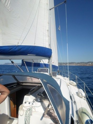 BAVARIA 37 in Bandol for hire