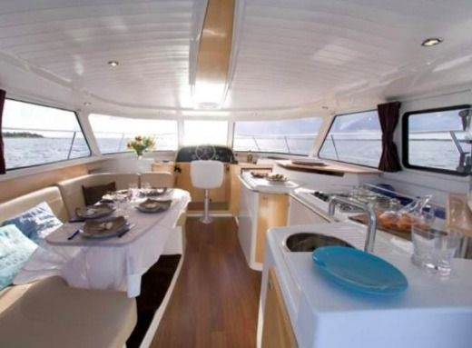 Location Catamaran Fountaine Pajot Highland 35 Hyères