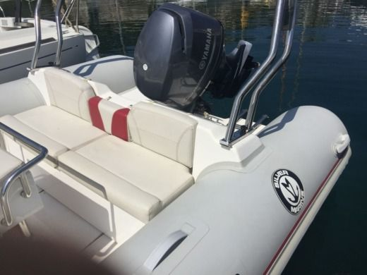 RIB SILVER MARINE 610 for hire