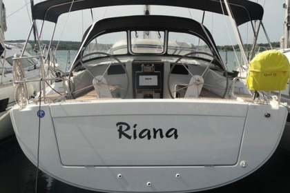 Rental Sailboat Hanse Yachting Sailboat 385 Pula