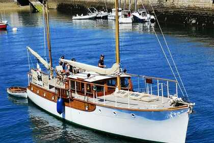 Rental Sailboat James A. Silver, Scotland John BAIN, 1937, Classic Gentleman Motor Yacht Brittany