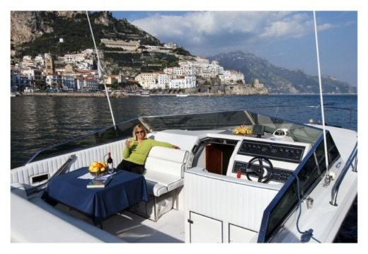 Tornado - Roma Tornado 38 Classic in Amalfi for rental