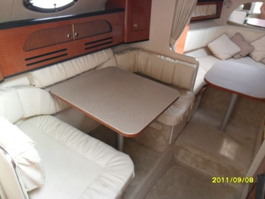 Sea Ray Sun Dancer 315 in Garlate for hire