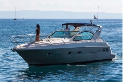 Hire Motorboat Pearlsea Yachts 36 Open Split