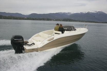 Rental Motorboat Eolo 730 Day Marseille