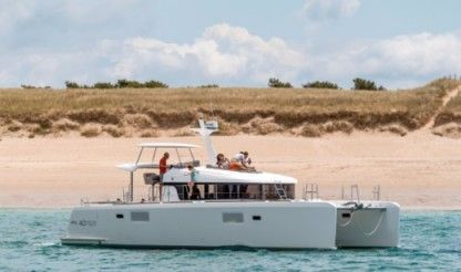 Location Catamaran Lagoon Lagoon 40 Power Catamaran With Watermaker Nouméa