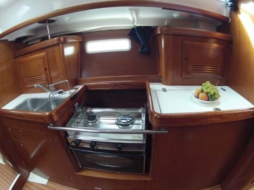 Charter Sailboat Beneteau Oceanis 393 Clipper Split