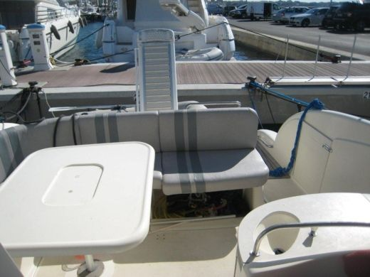 Charter motorboat in Juan les Pins, Antibes peer-to-peer