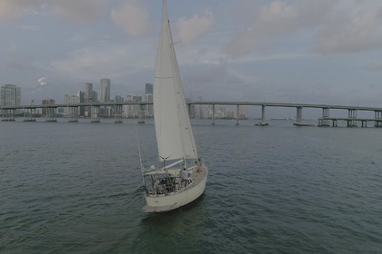 Rental Sailboat PAN OCEANIC 43 Miami