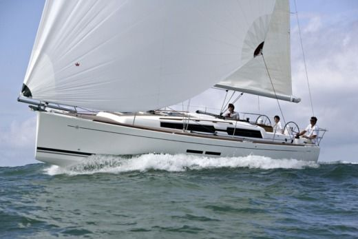 Sailboat Dufour 375 Grand Large for hire