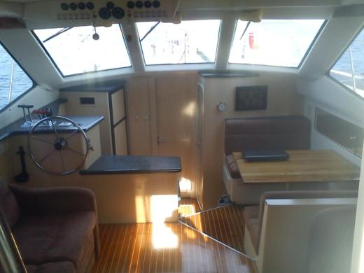 Motorboat Carver Yacht 404 Cmy for hire