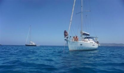 Charter Sailboat Beneteau Oceanis Clipper 423 Alicante