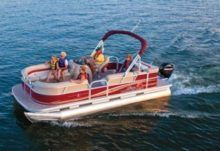 Charter motorboat in Pewaukee