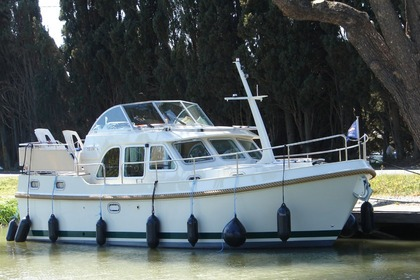 Rental Motorboat LINSSEN Grand Sturdy 30.9 AC Capestang