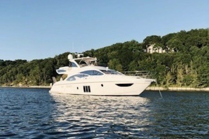 Charter Motorboat Azimut 60' Flybridge Sag Harbor