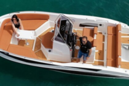 Hire Motorboat NIREUS CL620 Laganas