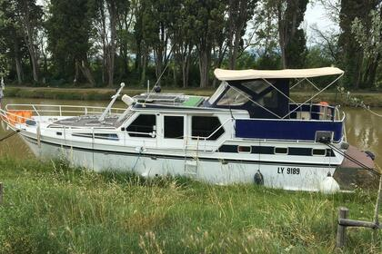 Hire Motorboat Vedette Hollandia Marseillette