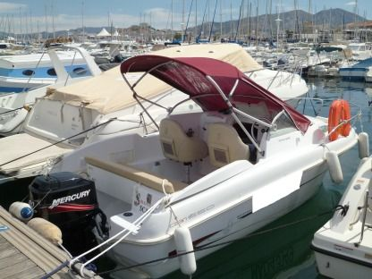 Rental Motorboat Beneteau Flyer 550 Cabin Marseille