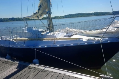 Rental Sailboat DUFOUR 27 Lorient
