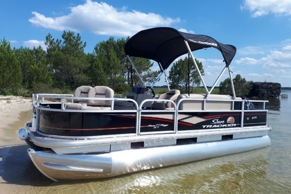 Hire Motorboat Suntracker Bass buggy 18 dlx Sanguinet