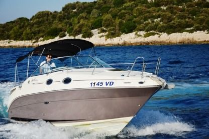 Charter Motorboat Sea Ray 255 Sundancer Petrčane