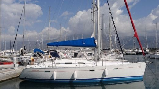 Sailboat Beneteau Oceanis Clipper 393 for hire