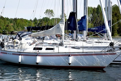 Hire Sailboat Linjett 30 Norrtälje