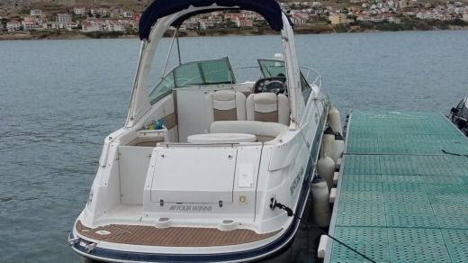 Four Winns 278 Vista in Pula for hire