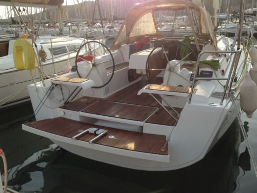 DUFOUR 310 GL in Mandelieu-la-Napoule for hire
