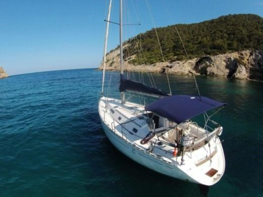 Sailboat Dufour 35 Classic peer-to-peer