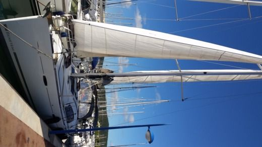 Charter sailboat in Bormes-les-Mimosas peer-to-peer