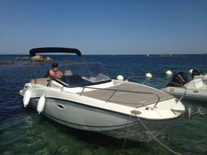 Charter Motorboat Quicksilver Sundeck Activ 675 Pinarello
