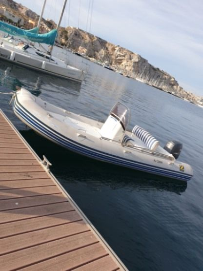 Charter RIB Zodiac Medline 2 C Marseille