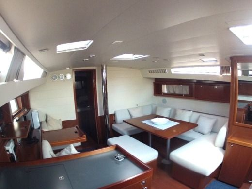 Sailboat Beneteau Oceanis 48 peer-to-peer