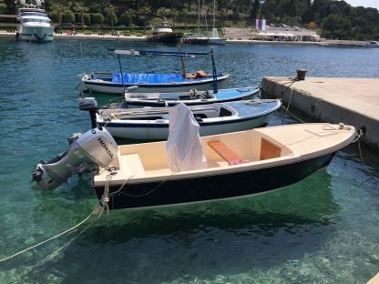 Charter Motorboat Kuster 15 Maslinica
