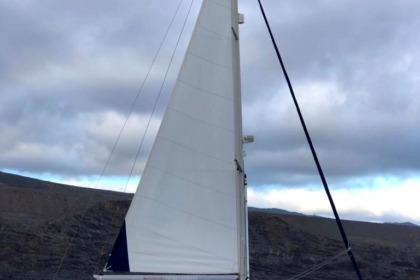 Hire Sailboat BENETEAU Oceanis 50 Costa Adeje