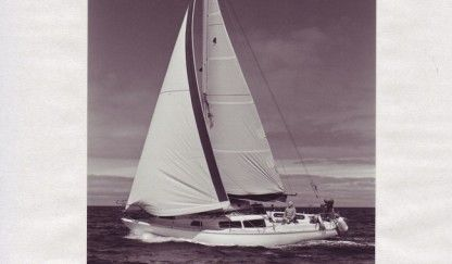 Charter Sailboat Play Vista Coronado 31 Arrecife