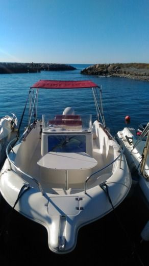 Charter motorboat in Cagnes-sur-Mer peer-to-peer