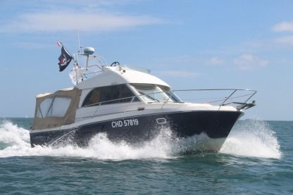 Charter Motorboat Beneteau Antares Serie 9 Portbail