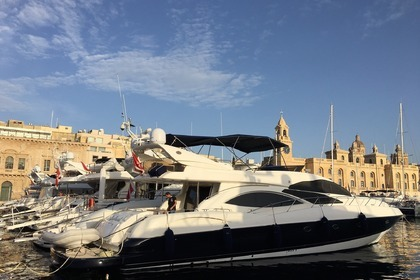 Rental Motor yacht SUNSEEKER Sedan Bridge 74 Birgu