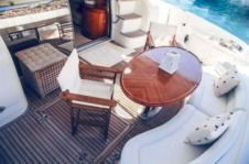 Motorboat Azimut Plus 68 for rental