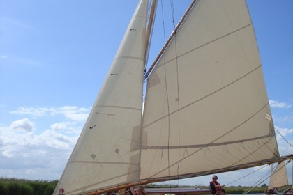 Charter Sailboat Lucent 2007 Ludham
