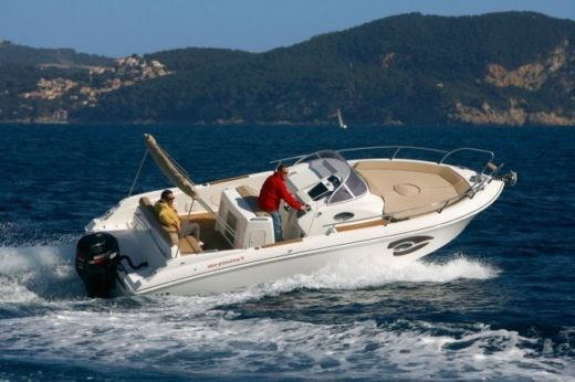 Motorboat Mano Marine 24.9 peer-to-peer