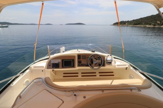 Jeanneau Prestige 46 Fly in Split for hire