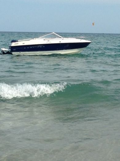 Bayliner Discovery a Palavas-les-Flots tra privati