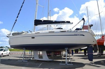 Charter Sailboat Bavaria 37 Cruiser Loctudy