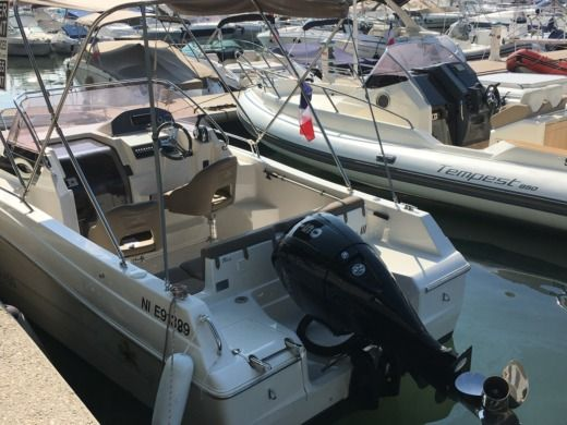 Charter motorboat in Golfe-Juan, Vallauris peer-to-peer
