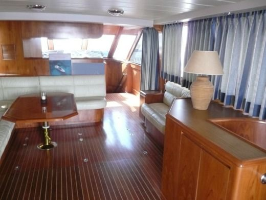 Motorboat Edership 60 for hire