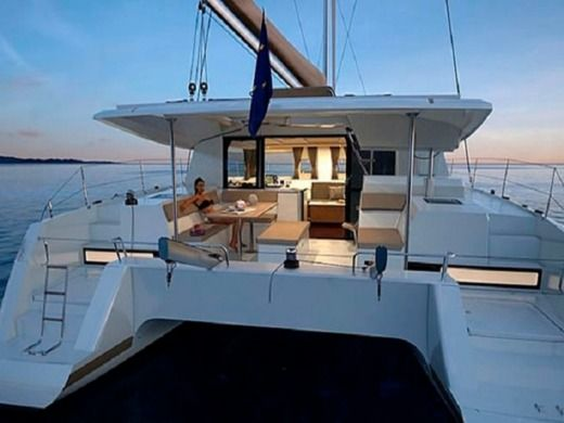 Catamarán Fountaine Pajot Helia 44
